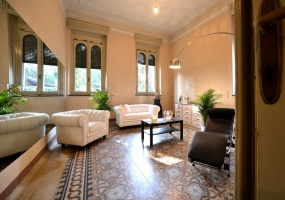 Seveso,5 Bedrooms Bedrooms,7 Rooms Rooms,2 BathroomsBathrooms,Ville,1447