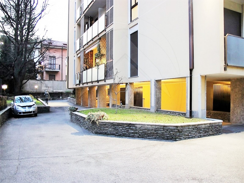 Monza,5 Bedrooms Bedrooms,6 Rooms Rooms,3 BathroomsBathrooms,Appartamenti,1,1632