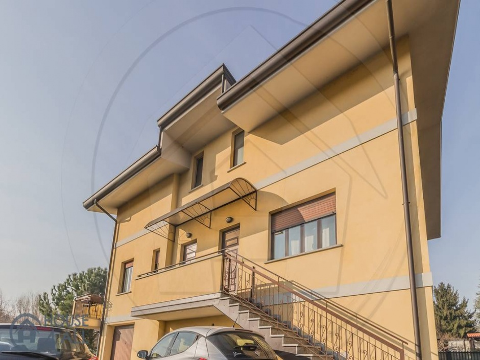 166 Corso Isonzo,Seveso 20822,2 Bedrooms Bedrooms,3 Rooms Rooms,2 BathroomsBathrooms,Ville,Corso Isonzo,1667